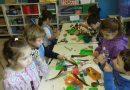 """""""Somos científicos""""   jugamos a  observar, explorar  y manipular objetos,  promoviendo el espíritu curioso en los niños."""